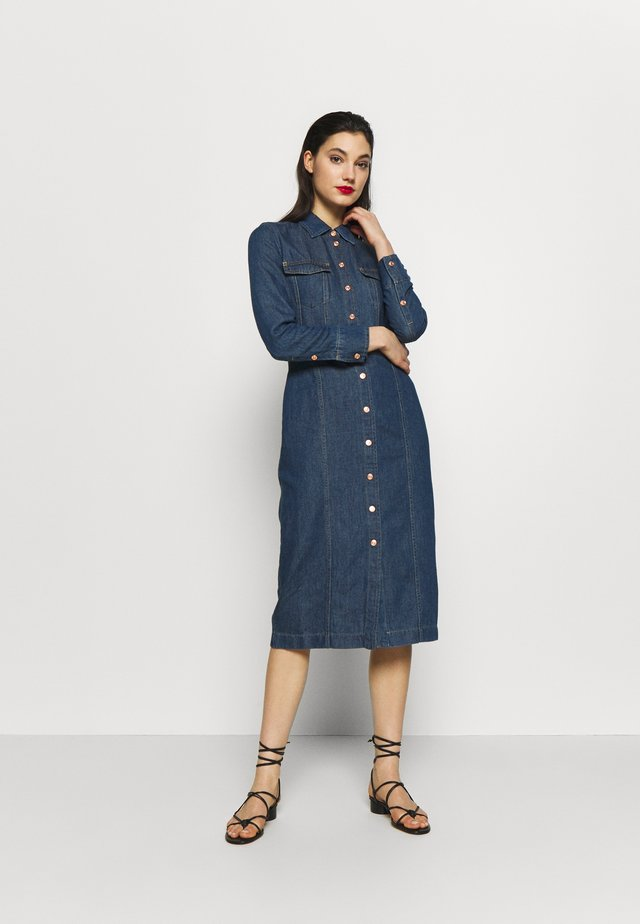LUXE DRESS - Sukienka jeansowa - mid blue