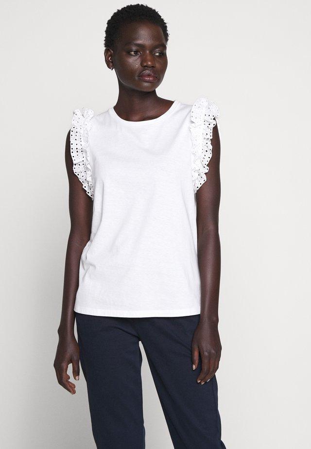 RUFFLE TANK TEE - T-shirt z nadrukiem - white