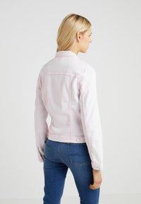 7 for all mankind - MODERN TRUCKER  - Veste en jean - cotton candy - 2
