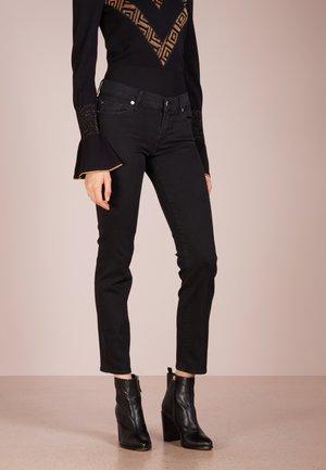 ROXANNE - Slim fit jeans - bair rinsed black