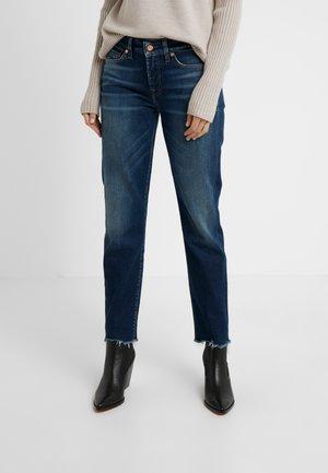 MID RISE ROXANNE CROP EN ROUTE - Straight leg jeans - dark blue