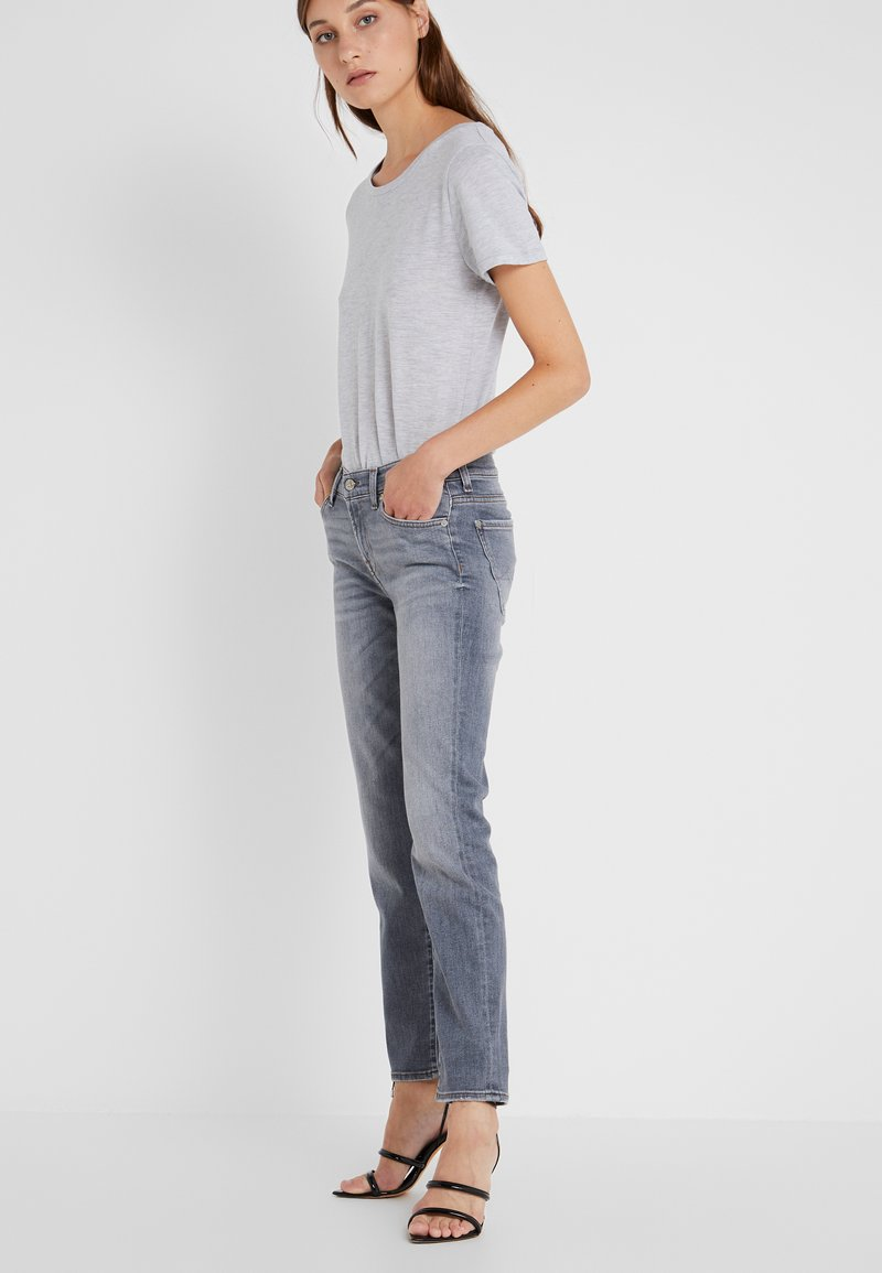 7 for all mankind - MID RISE ROXANNE CROP ILLUSION - Vaqueros slim fit - grey