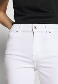 7 for all mankind - THE STRAIGHT - Straight leg jeans - white - 6