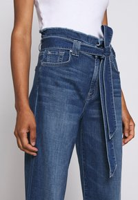 7 for all mankind - CROP ALEXA PAPERBAG  - Jeans Bootcut - dark blue - 3