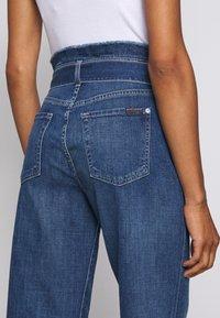 7 for all mankind - CROP ALEXA PAPERBAG  - Jeans Bootcut - dark blue - 5