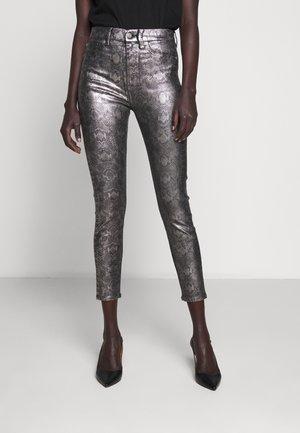 THE ANKLE COAPEWPYT - Skinny džíny - multicolour