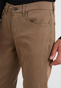 7 for all mankind - SLIMMY LUXE PERFORMANCE  - Stoffhose - beige - 3