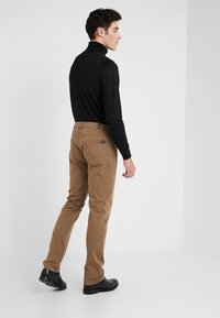 7 for all mankind - SLIMMY LUXE PERFORMANCE  - Stoffhose - beige - 2