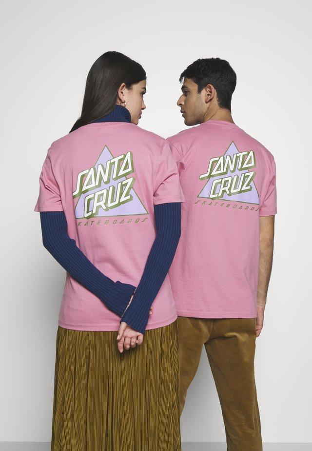 UNISEX NOT A DOT  - T-shirt z nadrukiem - rose pink