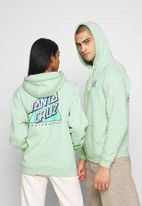 Santa Cruz - UNISEX NOT A DOT HOOD - veste en sweat zippée - mint - 2
