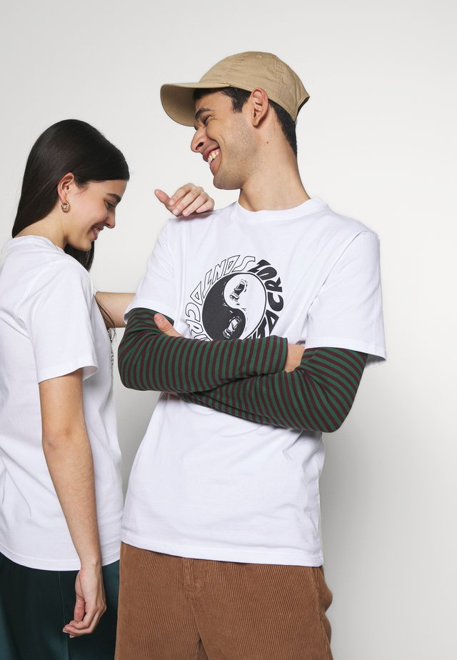 UNISEX SCREAM YING YANG - T-shirt z nadrukiem - white