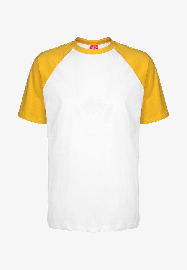 OPUS DOT CUT & SEW - T-shirt imprimé - mustard/white