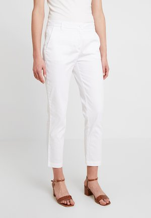 TEXTURED LIGHT - Chinos - white