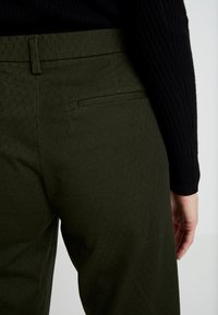 Sisley - TROUSERS - Trousers - olive - 5