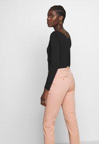 Sisley - Chinos - light pink - 3