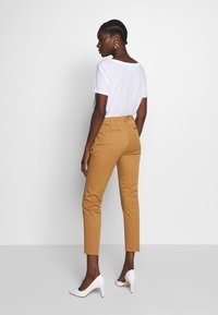 Sisley - Chino - brown - 2
