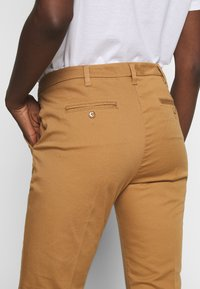 Sisley - Chino - brown - 5