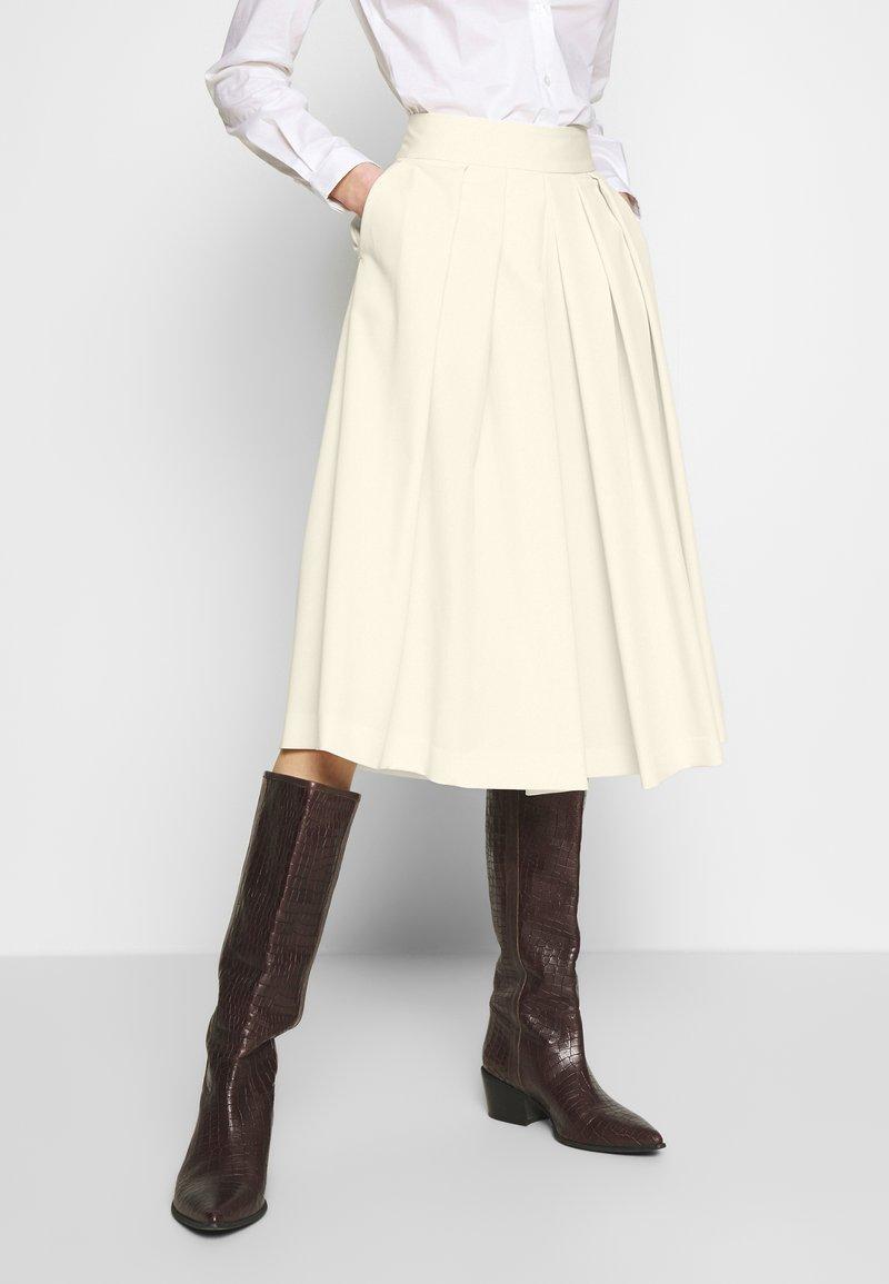 Sisley - DIVIDED SKIRT - Shorts - off-white