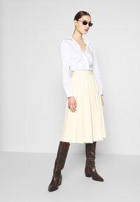 Sisley - DIVIDED SKIRT - Shorts - off-white - 1