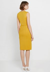 Sisley - PONTE BUSINESS SHIFT - Tubino - yellow - 2