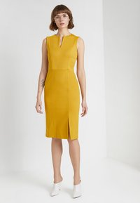 Sisley - PONTE BUSINESS SHIFT - Tubino - yellow - 1