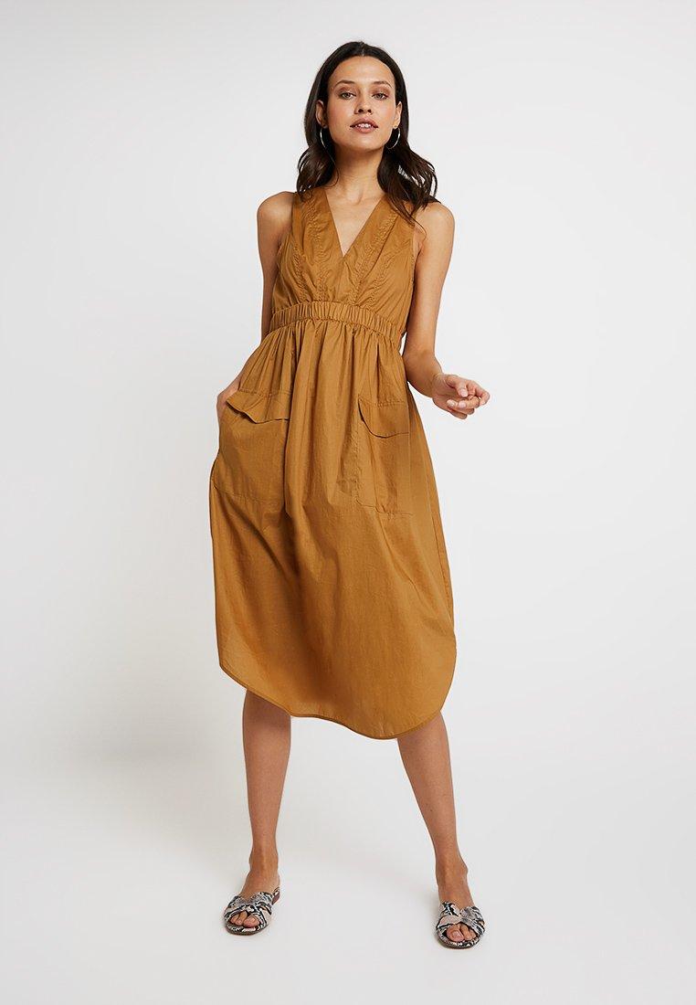 Sisley - UTILITY MIDI DRESS - Day dress - beige