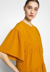 Sisley - Kjole - yellow - 4