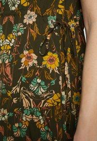 Sisley - DRESS - Vestito estivo - khaki - 5