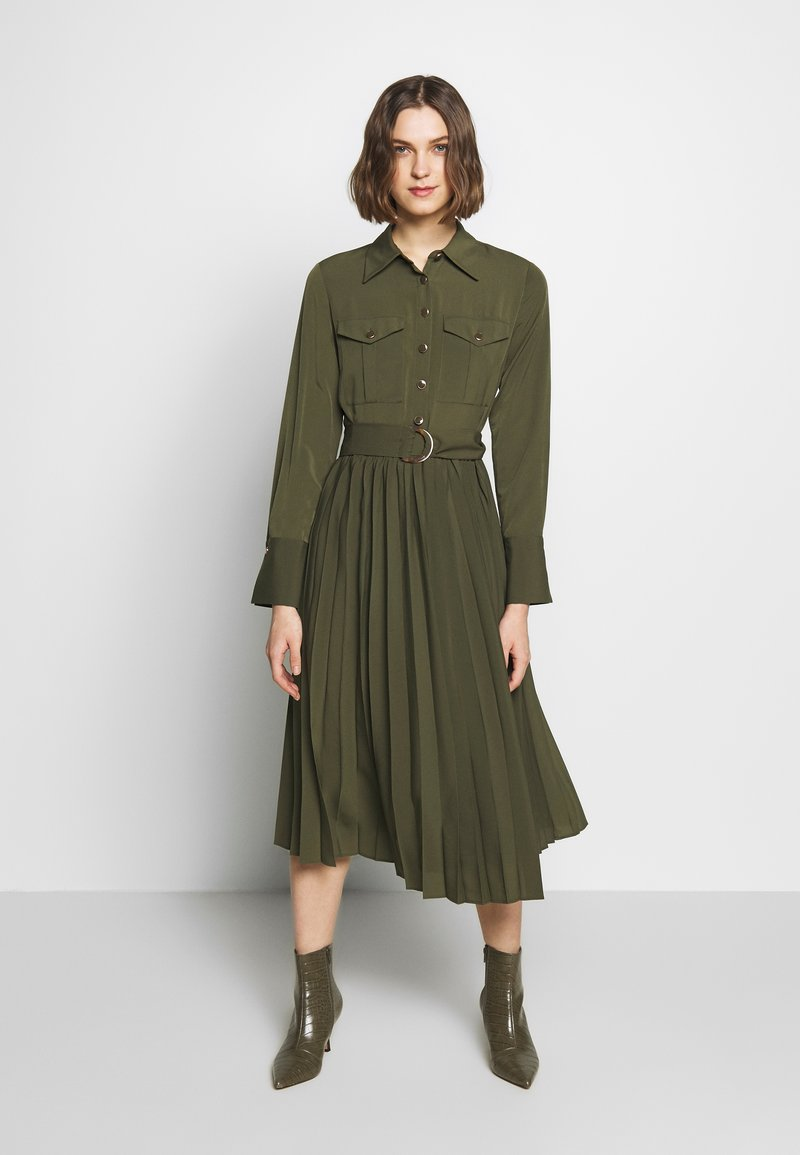 Sisley - DRESS - Kjole - khaki