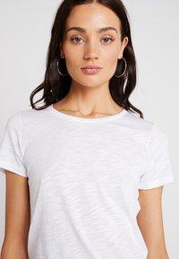 Sisley - ROUND NECK - T-shirt basic - white - 3