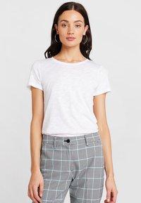Sisley - ROUND NECK - T-shirt basic - white - 0