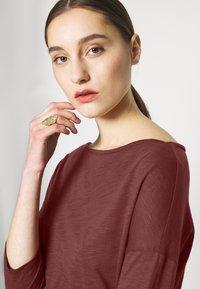 Sisley - Maglietta a manica lunga - bordeaux - 4