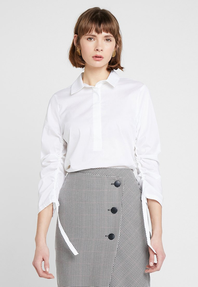 Sisley - BUSINESS BLOUSE RUCH HALF PLACKET - Blouse - white