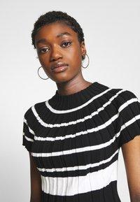 Sisley - T-shirt con stampa - black - 4