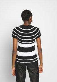 Sisley - T-shirt con stampa - black - 2