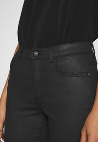 Sisley - TROUSERS - Jeans Skinny Fit - black - 5