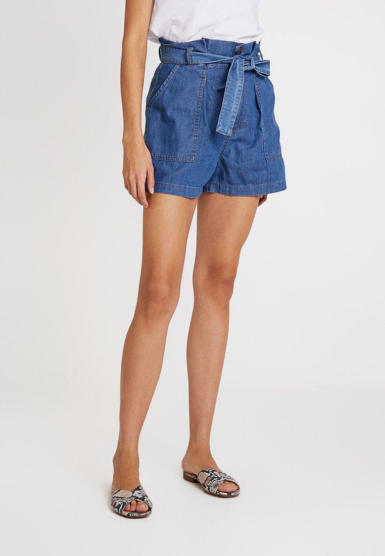 Sisley - HIGH WAISTED CITY - Jeans Shorts - light blue