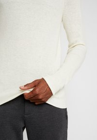 Sisley - Stickad tröja - off-white - 6