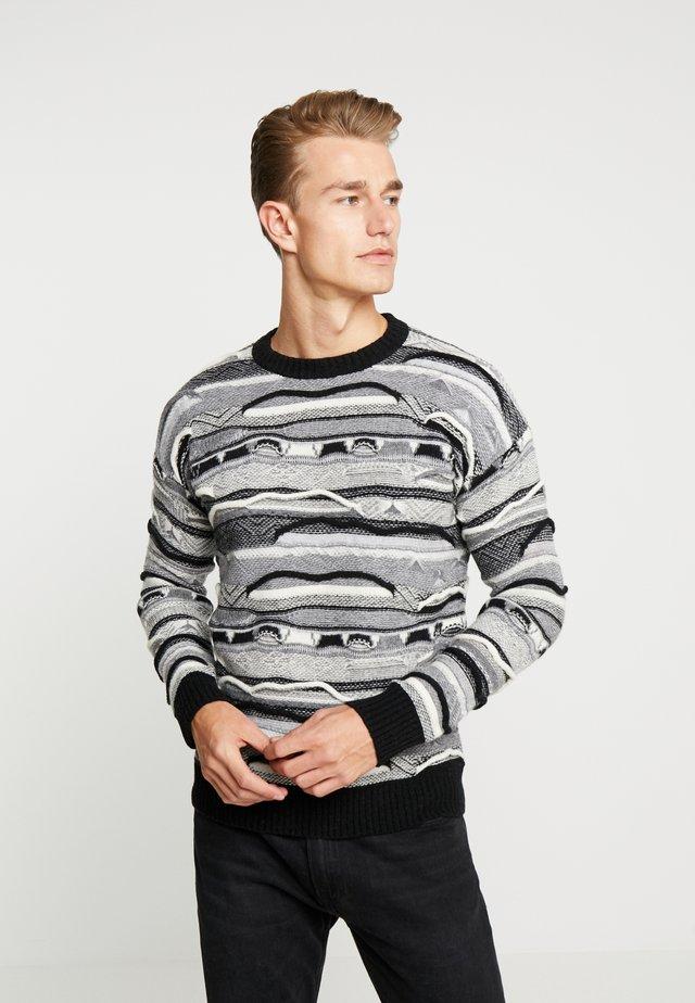 Stickad tröja - mottled dark grey/black/white