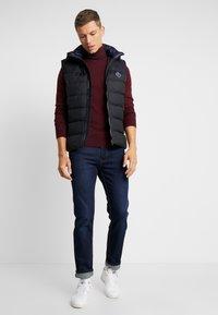 Sisley - Stickad tröja - bordeaux - 1