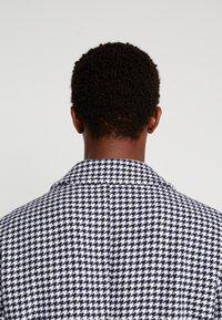 Sisley - Zimní kabát - black/white - 4