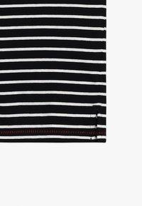 Sisley - Triko spotiskem - black/white - 3