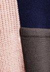 81hours - TAEKO - Pullover - combo