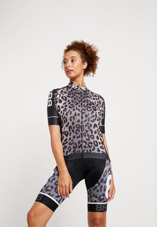MACAU - T-shirt z nadrukiem - leopoard