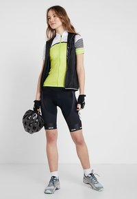 8848 Altitude - COCA BIKE SHORTS - Tights - black - 1