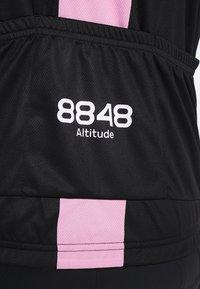 8848 Altitude - PAN LOOP BIKE  - T-Shirt print - black/pink - 4