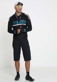 8848 Altitude - TERO SHORTS - kurze Sporthose - black - 1