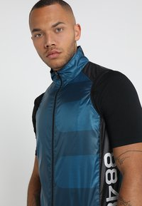 8848 Altitude - BERCI BIKE VEST - Weste - deep dive - 3