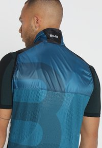 8848 Altitude - BERCI BIKE VEST - Weste - deep dive - 4