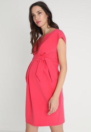 DAVEA - Denní šaty - raspberry